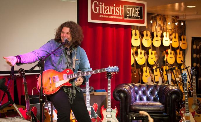 Wervelende clinics op Gitarist Stage Max Guitar