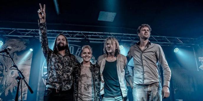 Leif de Leeuw Band vr 17-8 in Musicon Den Haag - Musicmaker.nl