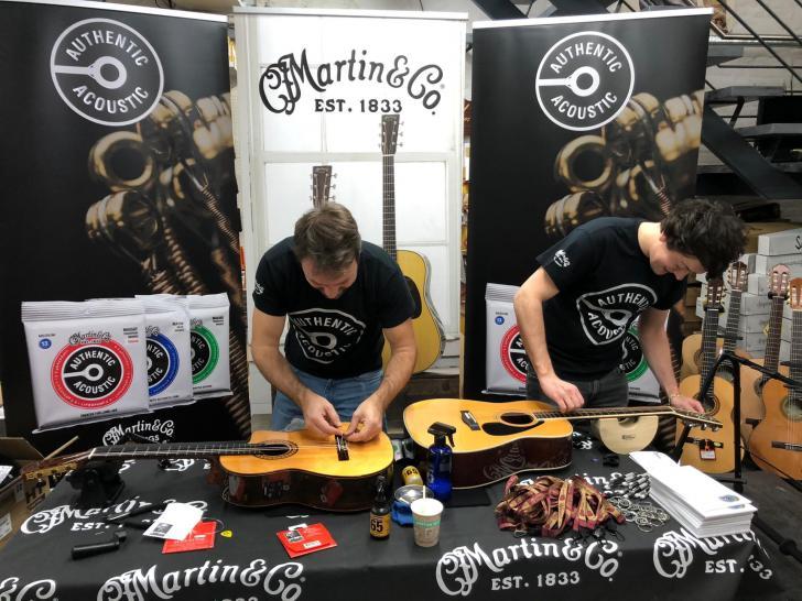 Restring Days bij Keymusic-winkels - Laat je gitaar gratis van nieuwe snaren voorzien
