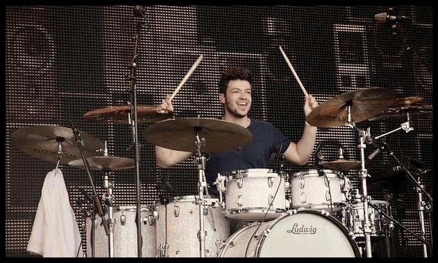 Ruben van der Velde drumclinic Identify Yourself bij Drumland