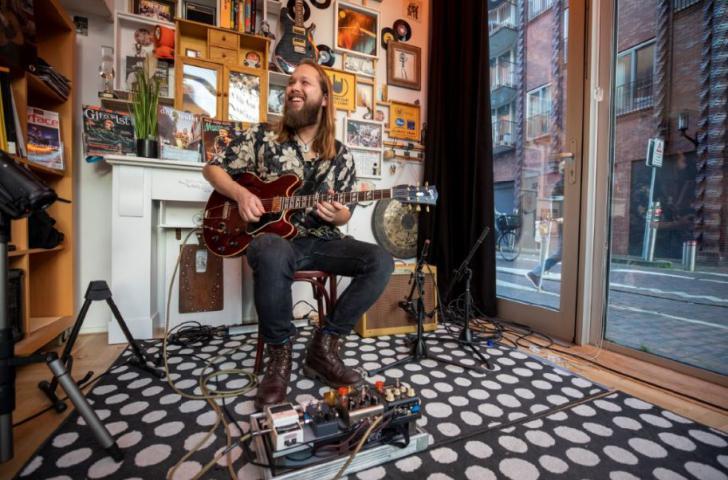 Videoserie - De gitaarhelden van Leif de Leeuw