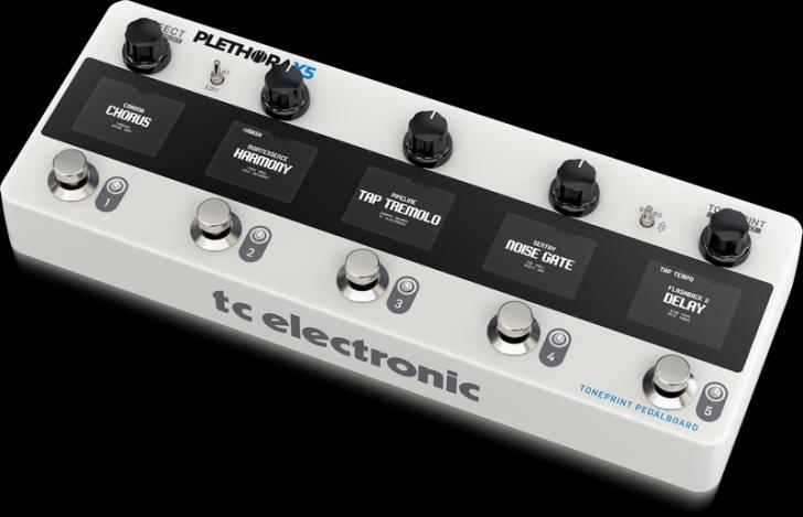 TC Electronic Plethora X5: 127 pedalboards ineen