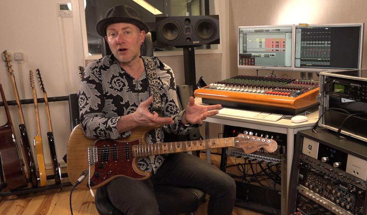 Microfoonkeuzes voor elektrische gitaar in videoserie StageCoach Sessions door Jay-P