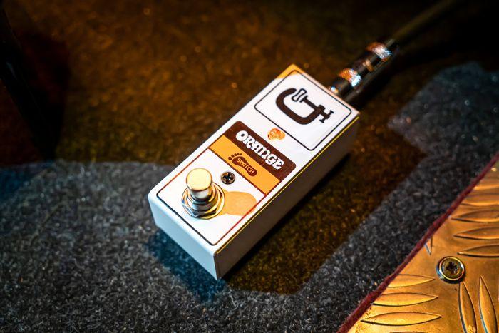 Orange Amps lanceert compacte FS1 Mini voetschakelaar