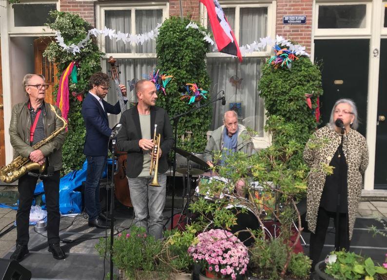 John Engels geëerd door Gemeente Amsterdam