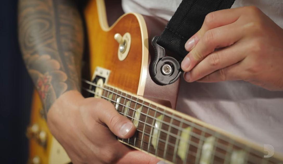 Krijg een D-Addario Auto Lock gitaarstrap cadeau bij een jaarabonnement Gitarist