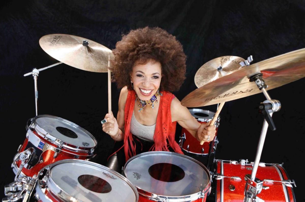 Cindy Blackman Santana - soloalbum Give The Drummer Some