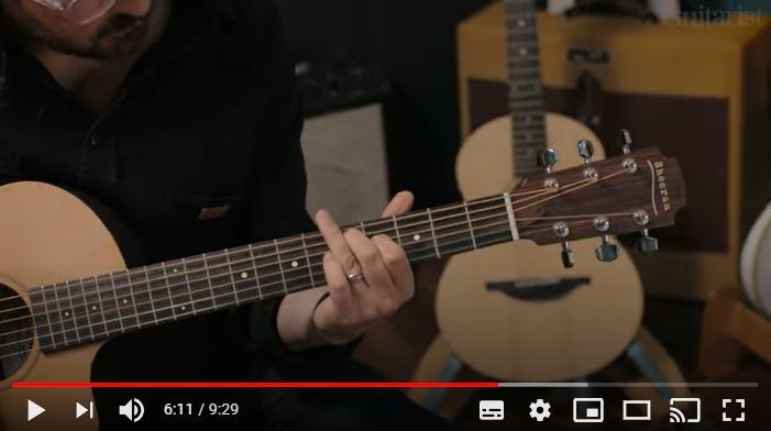Video bij de Sheeran By Lowden test in Gitarist 358