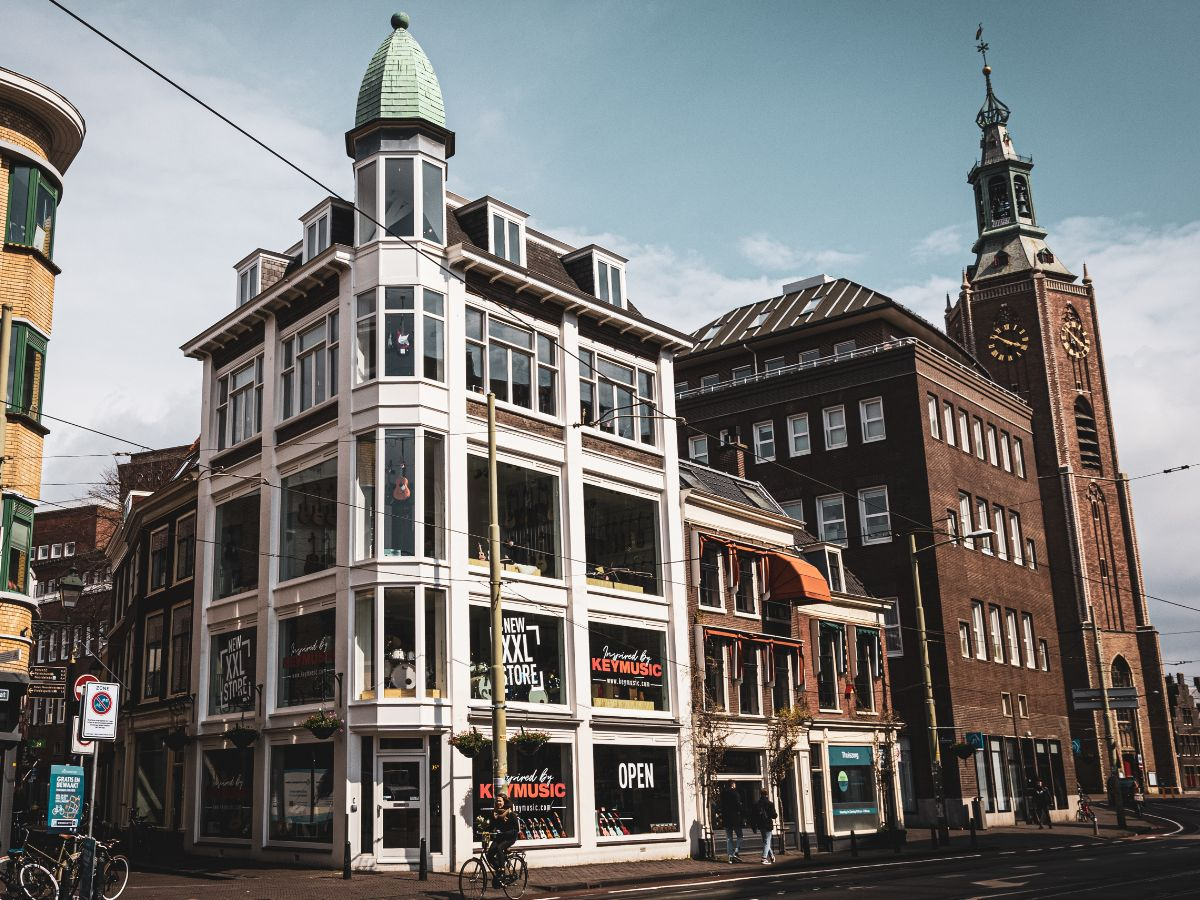 5 etages Keymusic Rock Palace Den Haag - vandaag officiële opening