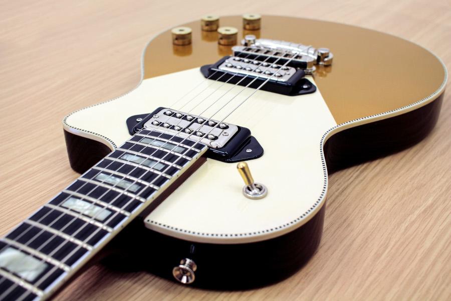Orange komt met handgebouwde gitaar