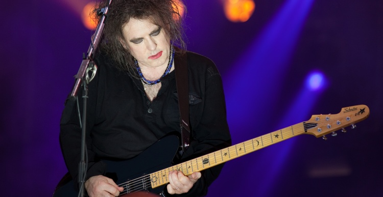 Open podium: The Cure - Just Like Heaven