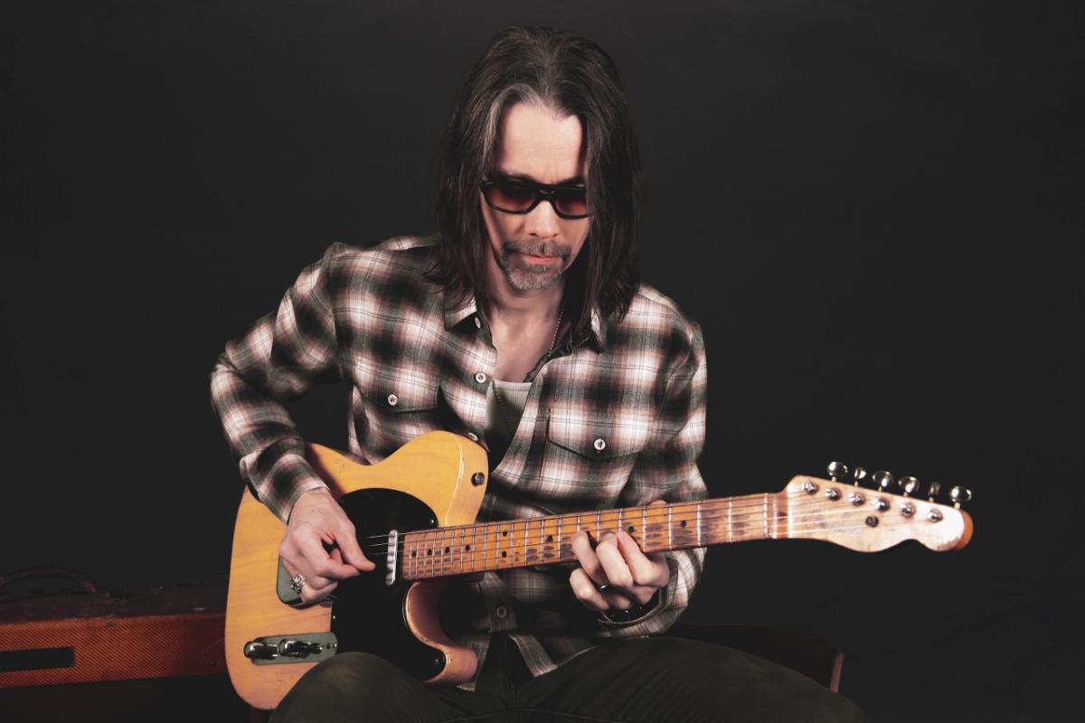 Myles Kennedy: gitaarpleziertjes uit het systeem