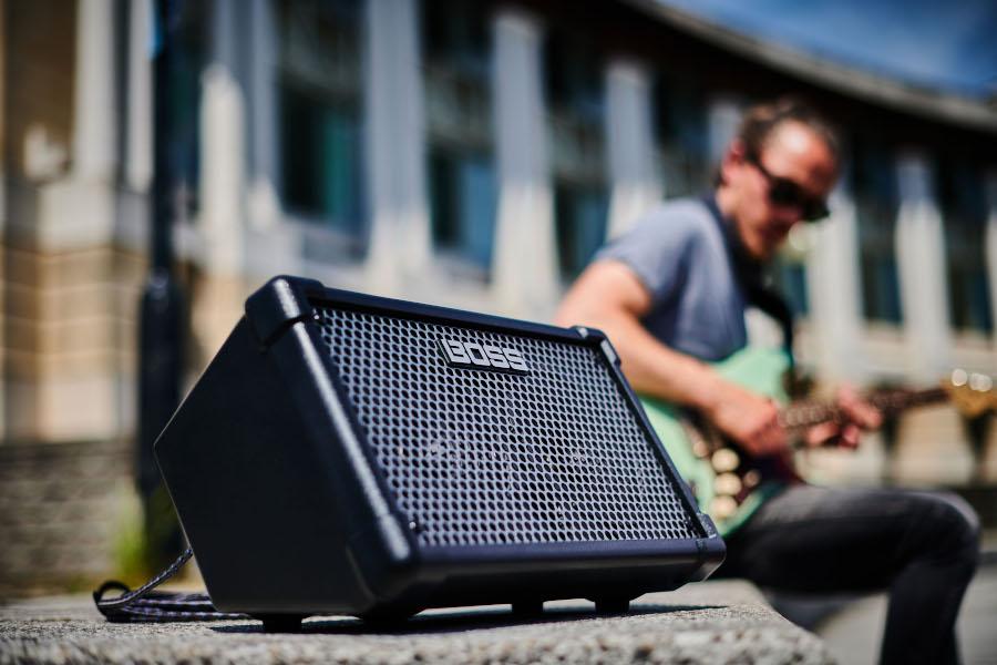 Boss Cube Street II Stereoversterker op batterijvoeding