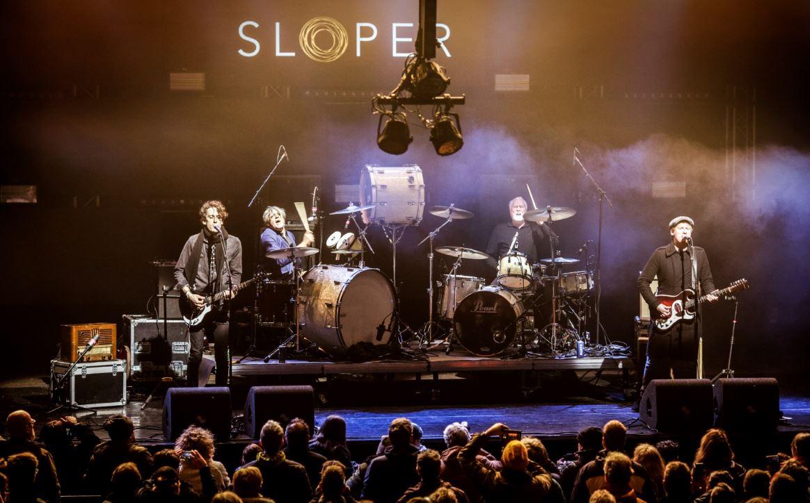 Sloper = twee drummers & twee gitaristen